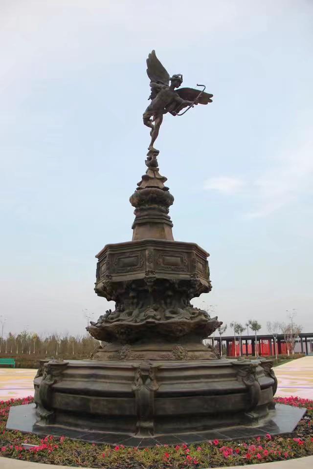 临沂泥立方雕塑铸铜雕塑案例