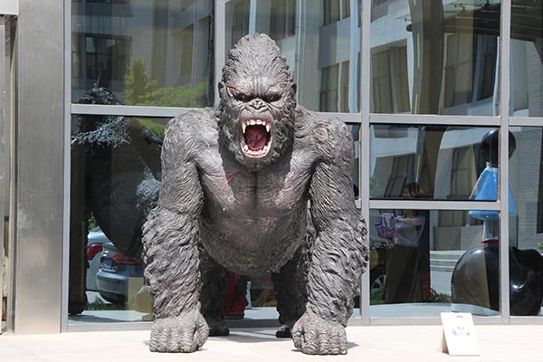 临沂雕塑公司猩猩雕塑
